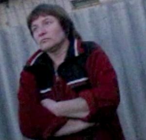 Надежда Н. - бывшая жительница Грозного. Бежит уже во второй раз. Таблички «Продам дом» в русских селах на каждом шагу.