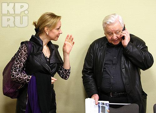 В Самару Олег Табаков прибыл с супругой, актрисой театра