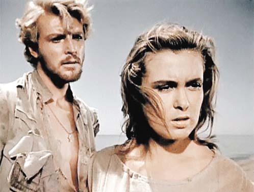 Извицкая и Стриженов в «Сорок первом». У него впереди - слава и всенародная любовь, у нее - ранняя гибель.