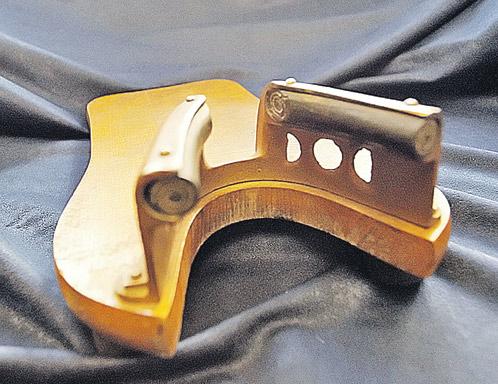 «Деревянный денщик» Власика. С помощью этого нехитрого устройства Сталин, не нагибаясь, снимал сапоги.