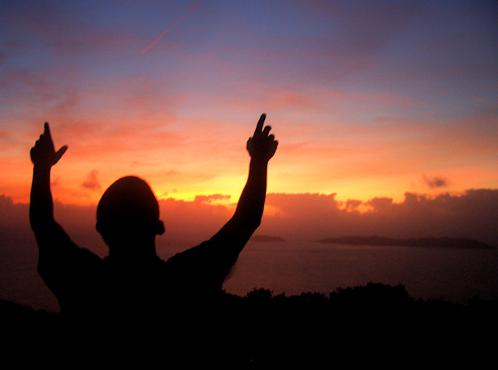 Мнение некоторых ученых: вера в бога перестала приносить пользу
