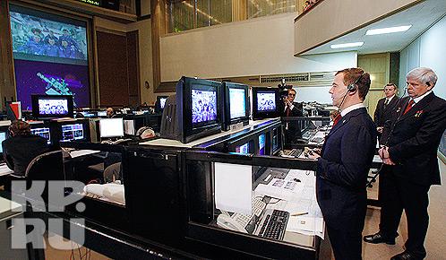 Российский президент поздравил экипаж Международной космической станции с профессиональным праздником