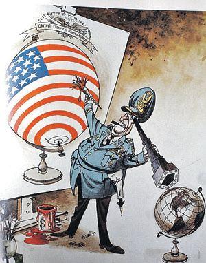 На советских плакатах времен холодной войны высмеивались замыслы американских вояк закрасить весь земной шар в цвета флага США. Ишь, мол, размечтались!.. Неужто теперь эти мечты могут стать реальностью? Плакат В. Зелинского «У глобуса».