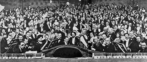 Премьера во МХТе, 1912 год. Так выглядела русская интеллигенция век назад. Вглядитесь в эти лица...