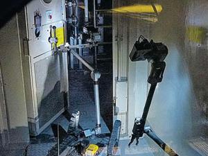 Вчера к ликвидации аварии на станции наконец-то подключили роботов. Они дошли до наиболее зараженных мест, где человеку находиться опасно.