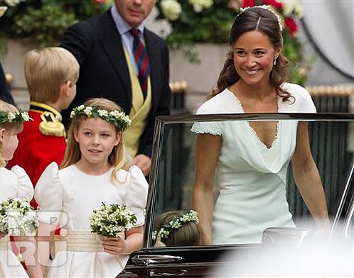 Пиппа Миддлтон сумела затмить невесту, пишут британские коллеги. О вкусах, конечно, не спорят...
