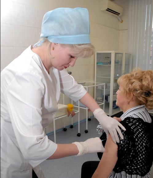 Вакцинация - лучшая профилактика от клещевого энцефалита.