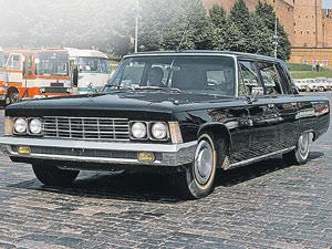 В советские годы завод производил не только грузовики, но и легковые автомобили для партийного руководства