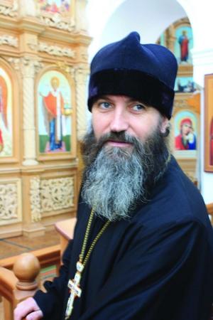 Отец Константин, настоятель храма в Старой Майне