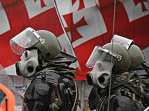 Спецназ разгромил офис оппозиции в Грузии