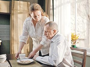 Елена (Надежда Маркина) намерена свести своего мужа-олигарха (Андрей Смирнов) в могилу