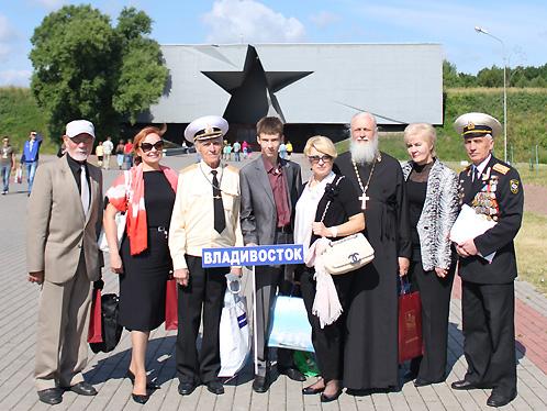 Делегация из Владивостока преодолела тысячи километров, чтобы почтить память павших героев Бреста