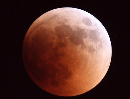 Такой кровавой Луна была 15 июня 2011 года