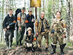 Состав экспедиции был разношерстным, но бывалым - экстремальные путешественники с интернет-портала Guns.ru,спортсмены-водники и спортсмены-стрелки объединились с экстремальными журналистами ради жгучей тайны.