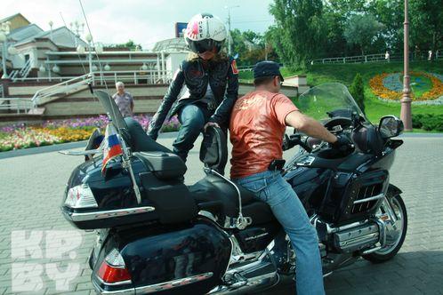 певица призналась, что мотоциклы - это ее слабость