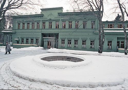 Ближняя дача вождя в Волынском. Чтобы доехать сюда из Кремля, Сталину требовалось всего 14 минут