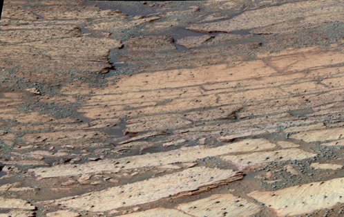 Дорога на Марсе, будто бы вымощенная плитами