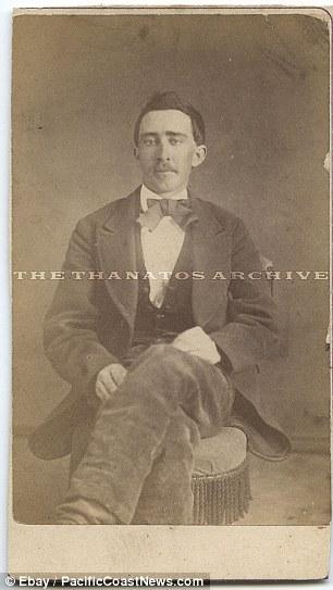 Николас Кейдж был замечен на фотографии которая была сделана 150 лет назад.