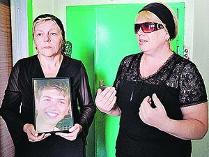 Мама Ивана Агафонова (на фото - справа) теперь не имеет претензий к медикам.