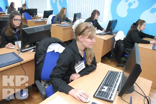Класс анимационной школы в пермской колонии. Девушки за компьютерами ломают стереотипы о заключенных.