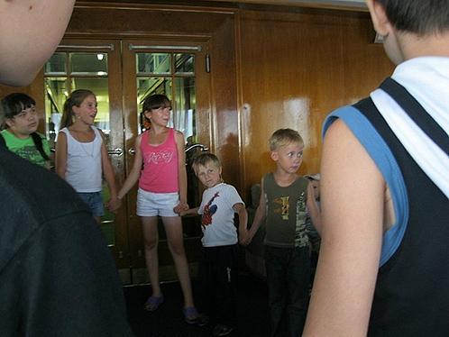 Детишек развлекают аниматоры, скоро теплоход прибудет в Болгар