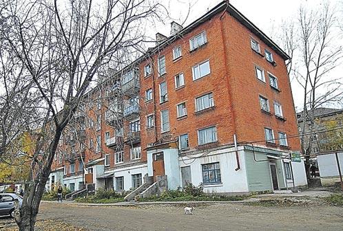 Дом, где убили одну изпенсионерок. Так живет весь Красноуфимск...