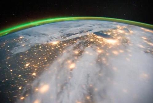 На нашей планете полно лампочек. Продвинутые инопланетяне, такие же умные, как наши астрономы, легко найдут человеческую цивилизацию