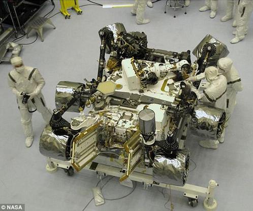 """""""Марсианский вездеход"""" упаковывают для перевозки на другую планету"""