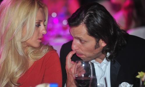 Александр Ревва с супругой.