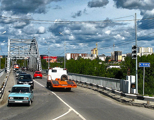 2012 год станет также началом реконструкции двух мостов через Туру: по улице Челюскинцев и Совмещенного моста по улице Мельникайте.