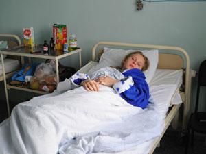 Именинница хотела весело отметить день рождения с подружками, а в итоге оказалась на больничной койке.