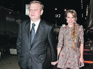 В последнее время Ксению Собчак активно выдают замуж за Сергея Капкова.