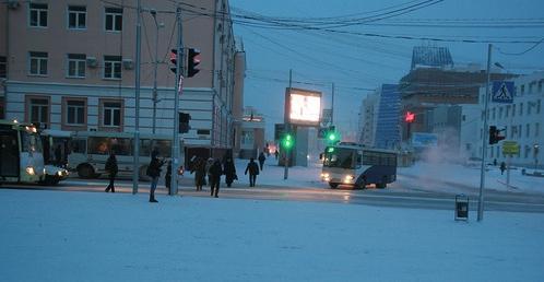 Якутск - город северный. Поэтому здесь даже днем не слишком светло.
