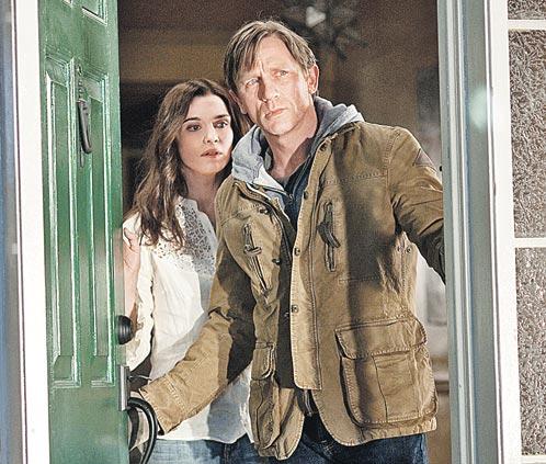 ...однако рука и сердце агента 007 отданы актрисе Рэйчел Вайс, с которой он снялся в триллере