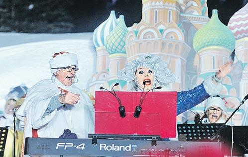 В Куршевеле пришлось устраивать игрушечную Красную площадь - чтобы богачи смогли встретить Новый год среди привычных русских пейзажей.