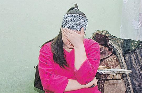 Молодая мама еще пытается бороться за правду, а ее муж плачет по ночам и не верит.