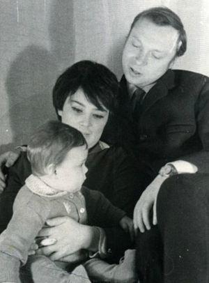 Валерий Ободзинский с женой и дочкой.
