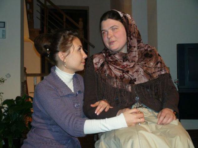 Алевтину уже посчитали убитой, но Ярослава (на фото слева) убедилась, что девушка жива.