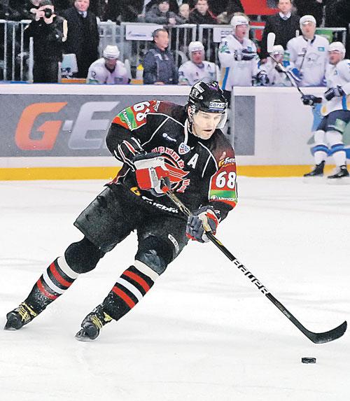 яромир ягр на омском льду. чешский хоккеист до сих пор по нему скучает.