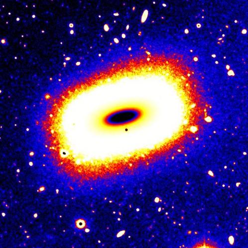 После столкновения в галактике сохранилось спиральное ядро