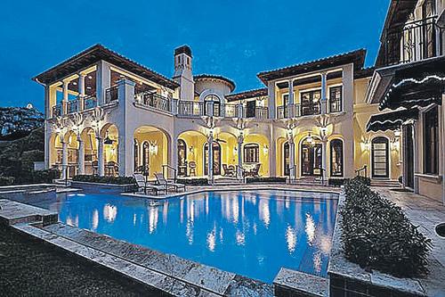 Этот особняк в Майами обошелся королю эстрады в $12 млн.