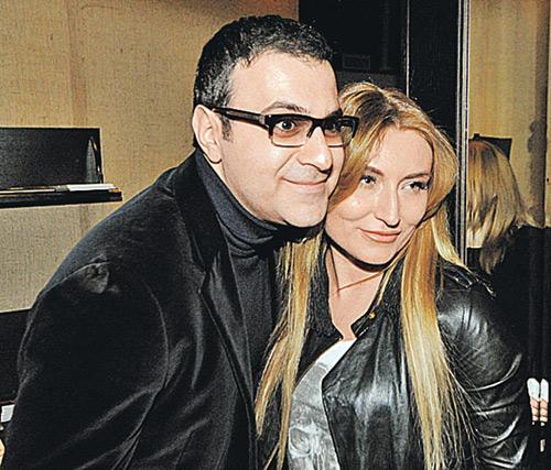 Гарик Мартиросян с супругой Жанной как начнут смотреть голливудское кино - так за уши не оттащишь. А пока они смотрят, голливудские же актеры имена их детям придумывают.