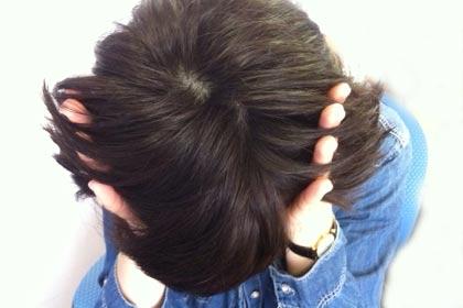 В последние годы у многих представительниц прекрасного пола волосы стали тонкими и выпадают, поэтому сегодня этот