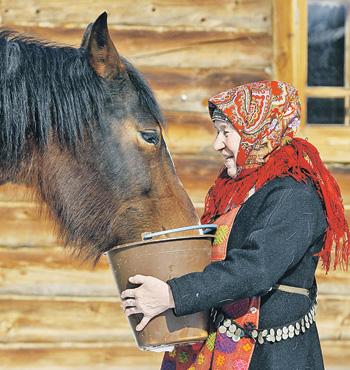 Алексей Воробьев будет болеть за хозяйственных бабушек из Удмуртии.
