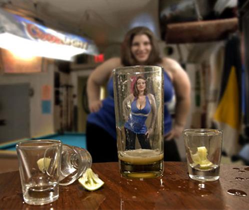 По поводу алкоголя и женской красоты ученые приходят к прямо противоположным выводам