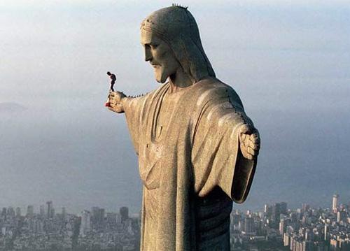 Свой прыжок со статуи Христа  в Рио-де-Жанейро Баумгартнер назвал пустяком по сравнению с полетом из стратосферы.