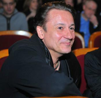 Меньшиков говорит, что знает, куда вести свой театр.