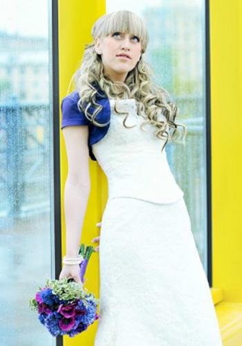 Белое платье девушка все же надела - назло!