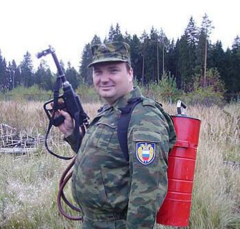 Москвич Юрий Гагарин охраняет первых лиц государства.