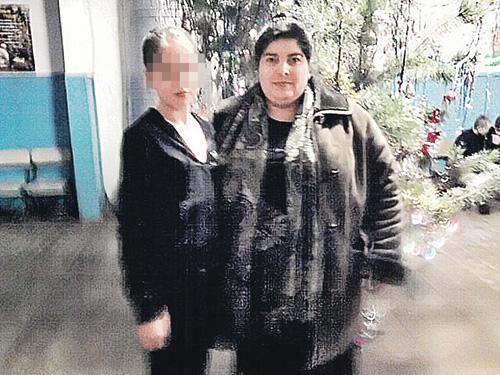 Нехмат Хабирова уверяет, что не знала о романе мужа и приемной дочери (на фото она с Аленой).